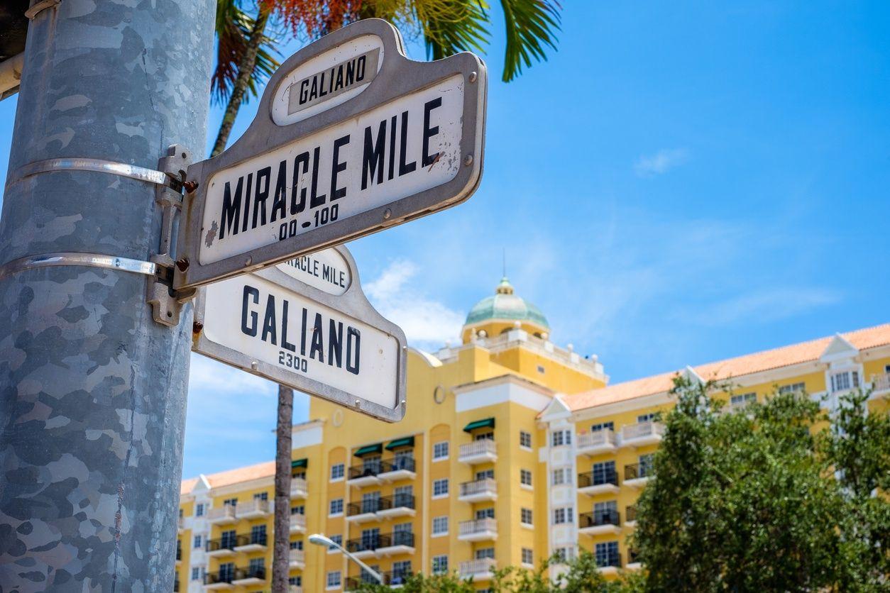 Miracle Letrero de la milla en Coral Gables, Miami